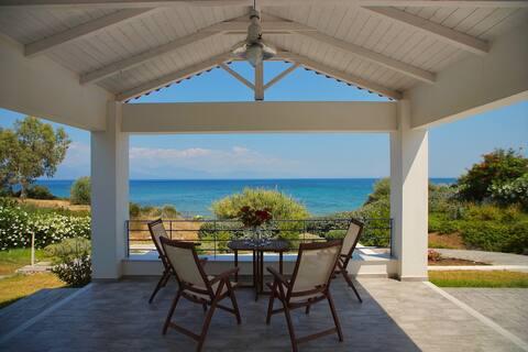 Private Sea Villa with Direct Beach Access