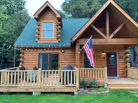2-Bedroom Log Cabin at Swinging Bridge