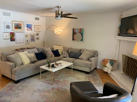 Newly Renovated 2-Bedroom Belhaven Townhouse