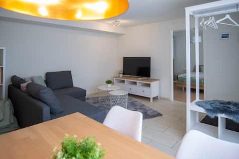 Apartamento separado bonito em casa de 2 famílias