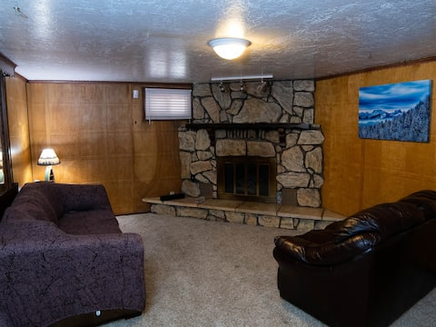 Cozy 1-bedroom basement apartment with fireplace