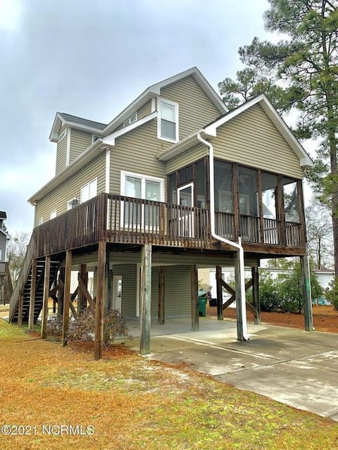 NEW! Bluewater Cottage at White Lake: Pet Friendly