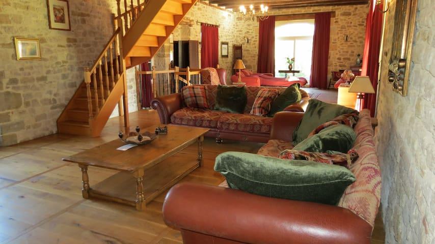 Main lounge upstairs
