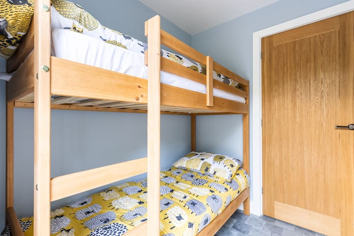 Cosy Kids room with shorty bunkbeds - best suited to children or 1 very small adult.  This room is off the main bedroom.