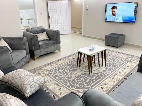 شقة جديدة مفروشة في حي راقي - غرفتين وصالة ومطبخ