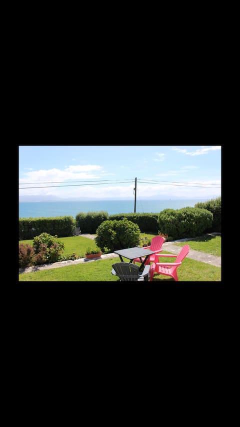 Cliff Lodge - Seaside escape in modern cottage