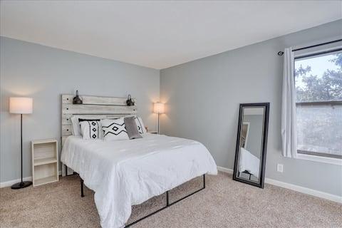 Lovely 1-bedroom condo