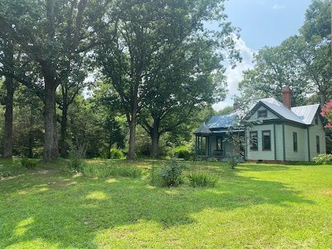 Farmhouse Retreat on 22 Acres 1 mi from Littleton!
