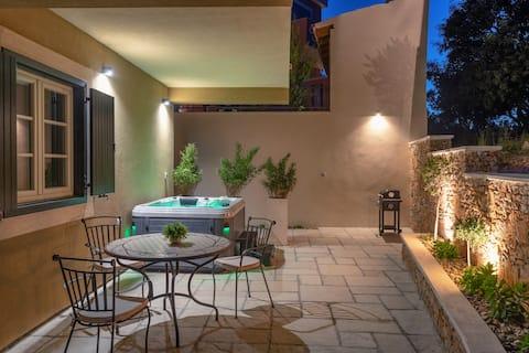 TEONA Luxury Studio apartment with jacuzzi