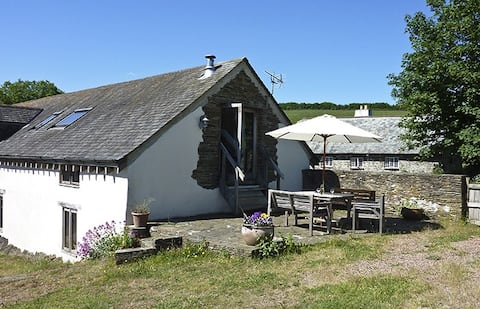 Idyllic 3 bed South Hams cottage set in 80 acres