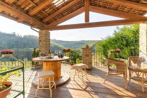 Villa Fanolla - Eclectic & Design in Langa