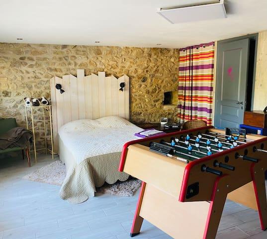 pièce de jeu avec le 3ème lit