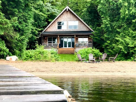 Waterfront Lake Cavanaugh Cabin-3 bdrm Sleeps 10