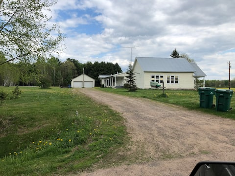 Private 2 Bedroom Home on 10 Acres
