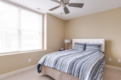 Lovely 3 Bedroom Condo in DWTN & near the Beach