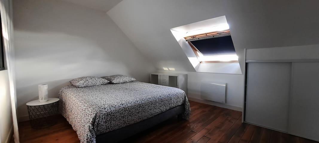 Chambre à coucher avec un lit de 160