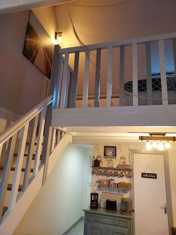 Mezzanine avec 2 lits de 90 cm