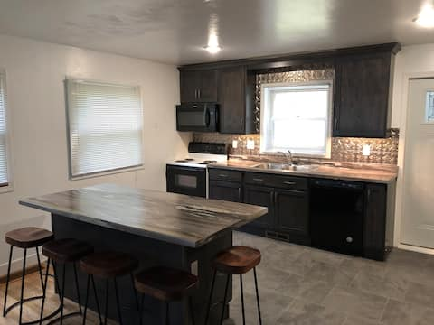 Newly remodeled adorable 4-bedroom home