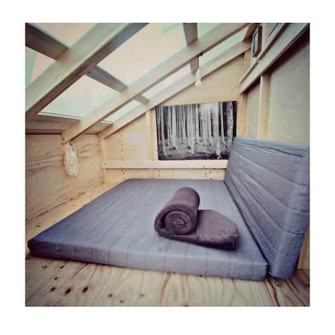 Wooden Tent per dormire nel bosco