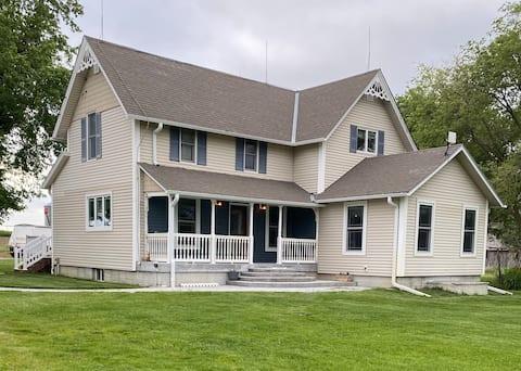 Hattie's 1898 Homestead'