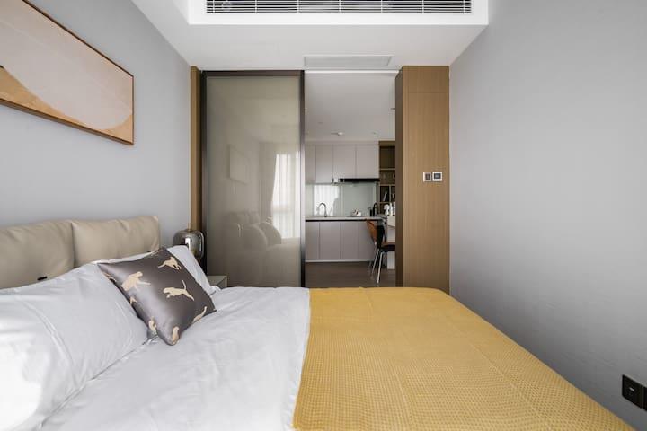 天然乳胶床垫搭配优质床品,带给您深度睡眠体验