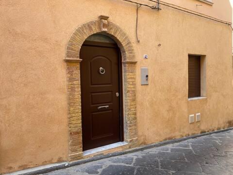 """Monolocale rustico dell'800 """"Via Galterio 42"""""""