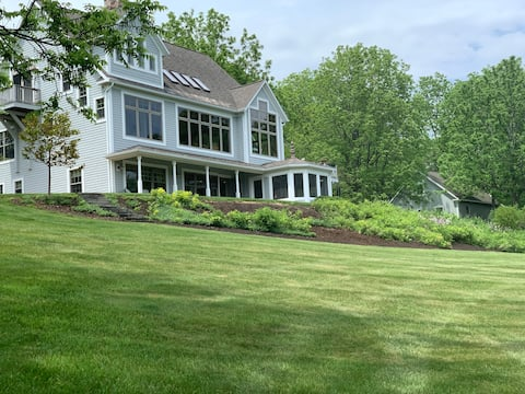 Private pond paradise w/55 acres of groomed trails