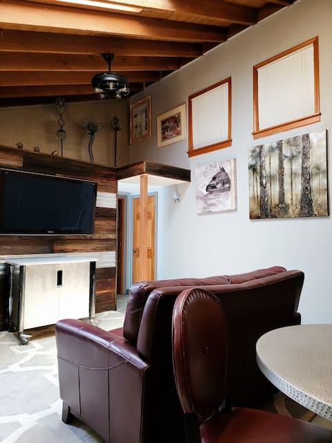 Nicely furnished apt, private 1 bedroom& kitchen