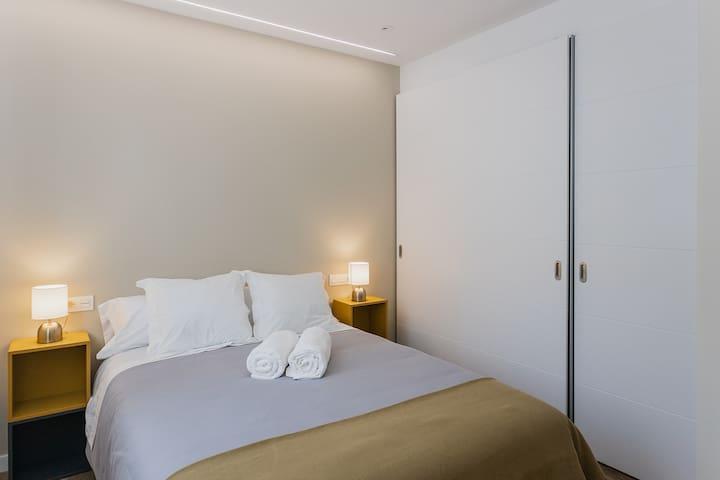 Dormitorio 1. Cama king .