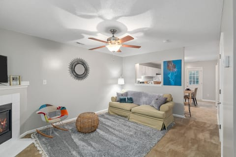 Cheerful two bedroom townhouse in Jacksonville