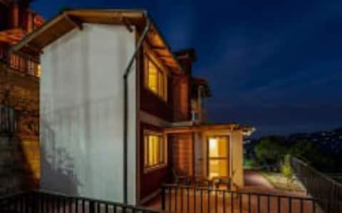 2 Bedroom Luxury Villa, Mountain View, Mukteshwar