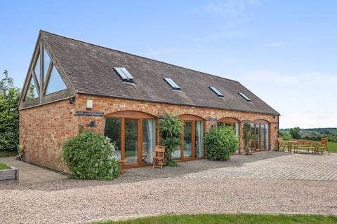 5* luxury barn (stables) conversion with hot tub