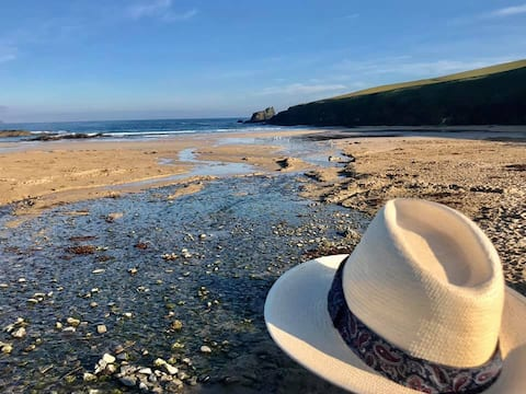 Seaside Holiday Home - Sleeps 4 - Close To Padstow