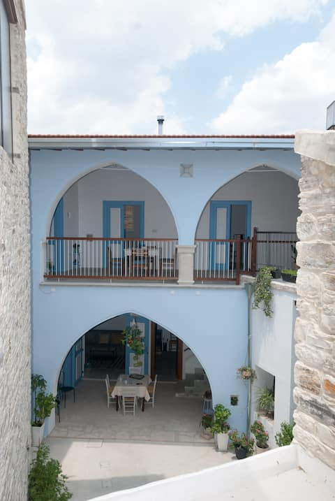 7Kamares traditional stone-house(one-bedroom apartment)