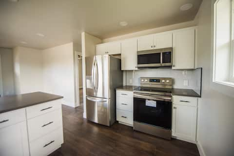 Adorable, Brand New 1-Bedroom House - Boise Bench