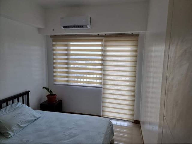 Adjustable blinds to suit your needs - blackout, bright or just enough brightness