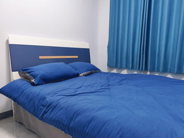 卧室3拥有1.5米大床和独立智能空调