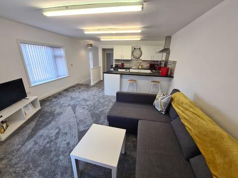 1 spálňový apartmán v centre mesta Heywood s parkovaním