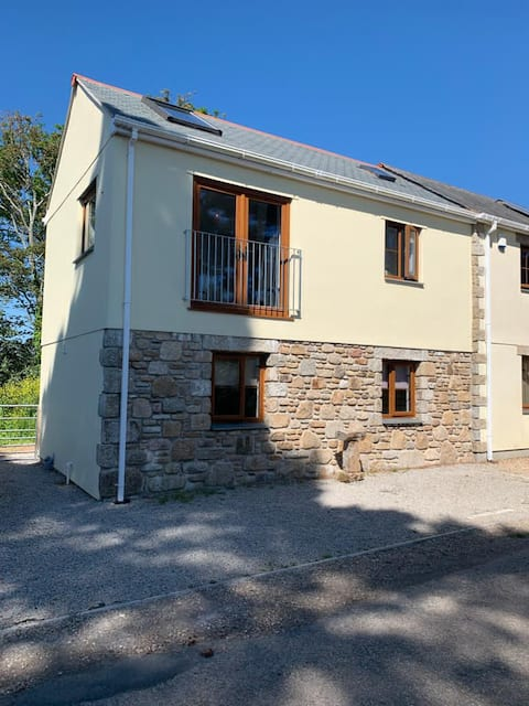 A light, modern & spacious self contained annexe.