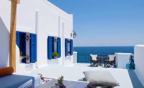 Κυκλαδίτικο διαμέρισμα με θέα στο Αιγαίο