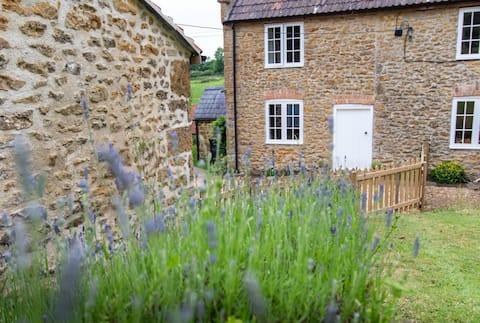 Self-contained en suite room in rural West Dorset