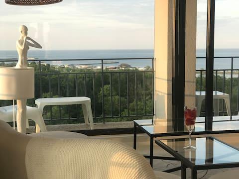 Donna Alba Seaview Apartament, casa ta de pe plajă