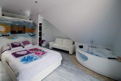 La Plumeria House heeft een eigen hot tub