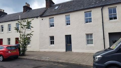 Lovely 2 bedroom house in Newburgh,  Fife