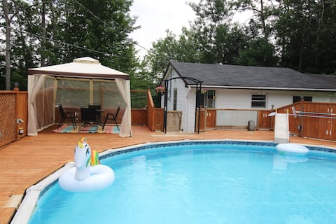 Riverside cottage retreat with pool!