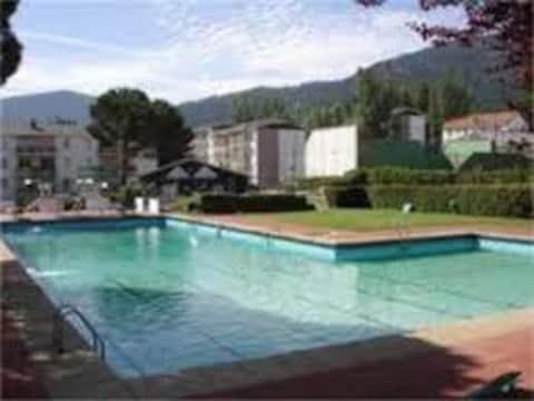 Piso nuevo en la montaña con piscina, internet…