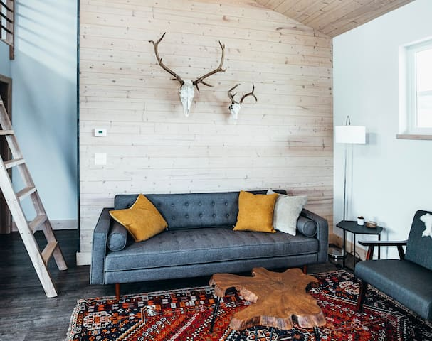 Airy Summit Retreat is a quiet getaway for anyone looking to experience the last best place.