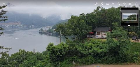 언덕위 청평호수 조망,  숲속의 별장,단독사용(주변에 건물,사람,소음 없음)