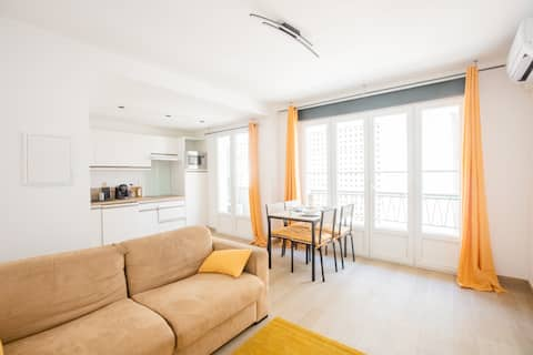 💛🐊💛 Downtown fully equipped 2 room apartment.