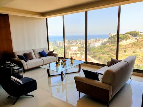 Lovely 3-Bedroom Apartment with a Marina View